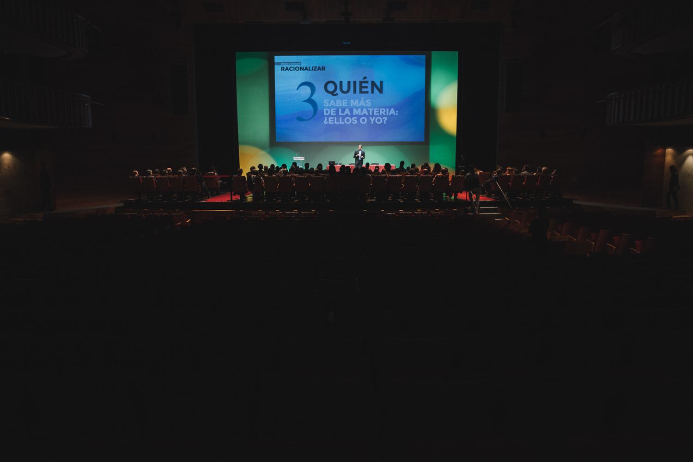 Reportaje de conferencias en Oviedo